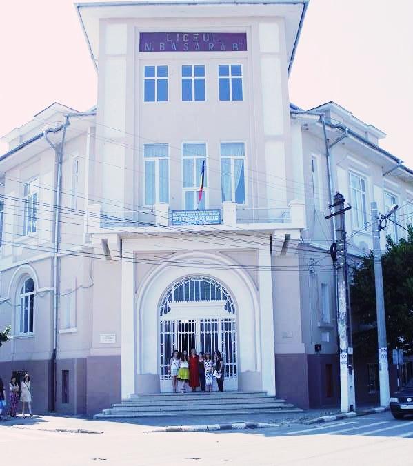 Liceul Teoretic Neagoe Basarab, în care am studiat